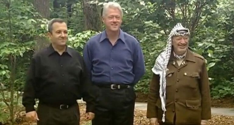 Barak, Clinton und Arafat in Camp David im Juli 2000