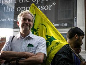 """Jeremy Corbyn ergreift """"immer wieder Partei für die Antisemiten"""""""