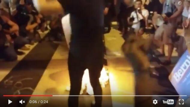 Youtube-Video, das das Verbrennen der Israel-Flagge dokumentiert
