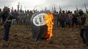 burning-islamic-state-flag
