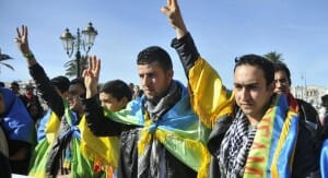 Moroccan Amazigh Berbers march during a protest calling for the release of political prisoners and demanding more rights, in Rabat February 3, 2013. REUTERS/Stringer (MOROCCO - Tags: POLITICS CIVIL UNREST SOCIETY) - RTR3DBGE