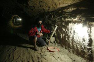 tunnel_smuggler