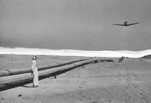 flying_over_the_trans-arabian_pipeline