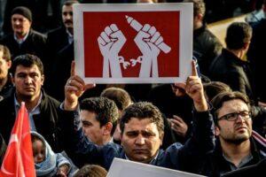 Der Feldzug gegen kritischen Journalismus in der Türkei