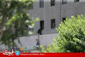 Angriff auf Parlament und Khomeini-Mausoleum in Teheran