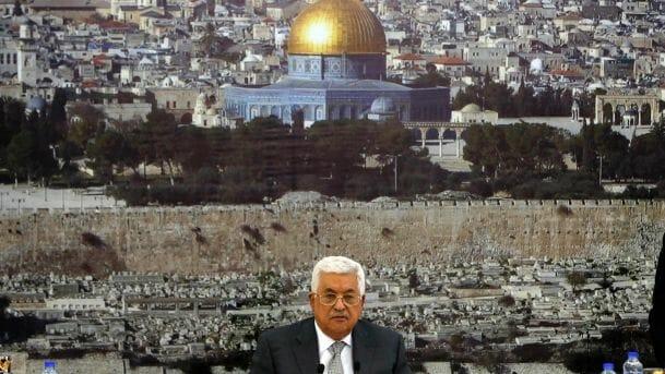Abbas verflucht Trump, weil dieser Friedensverhandlungen fordert