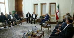 "Irans ""moderater"" Außenminister Zarif sichert Hamas Unterstützung zu"