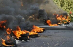 Palästinenser kritisieren Israel – weil es keine Reifen nach Gaza liefert