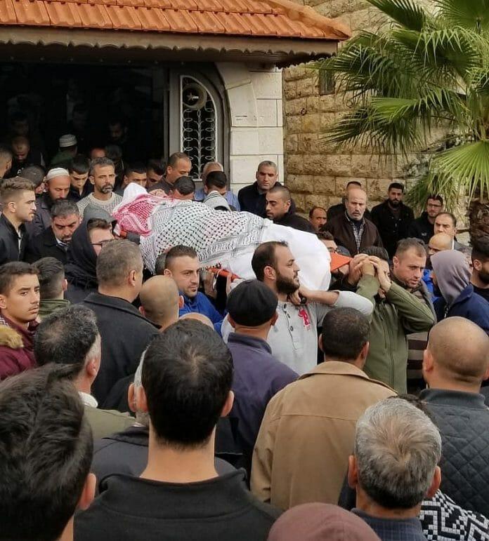 Hebron trauert um einen Palästinenser, der in Ashkelon von einer Rakete aus dem Gazastreifen getötet wurde