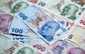 Kein Vertrauen: Türken horten ausländische Währungen