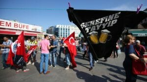 Demonstration gegen Erdogans Alkoholverbot in Istanbul