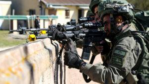 Israelische Fallschirmjäger trainieren – in Bayern