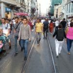 Hand in Hand durch Istanbul