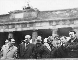 Dreiste Propaganda: Palästinenser gedenken des Falls der Berliner Mauer