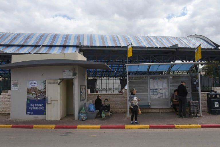 Bustsation mit Bunker in Sderot