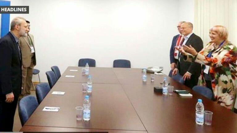 Claudia Roth begrüßt freudig Ali Larijani