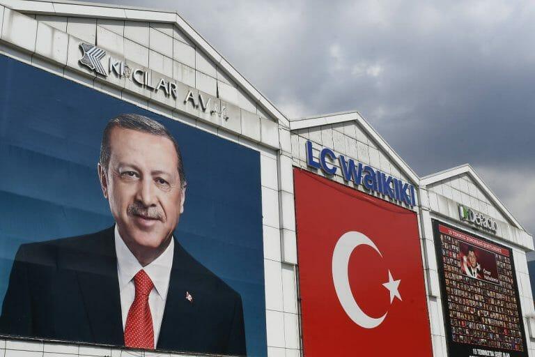 Wahlplakat von Erdogan in Istanbul