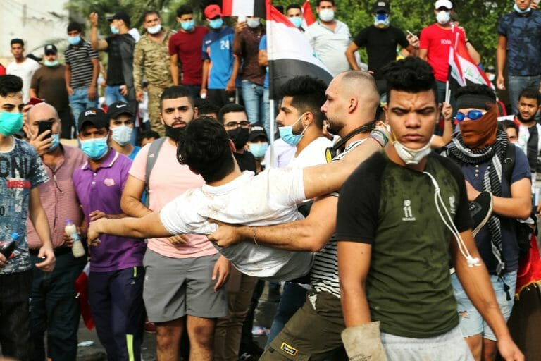 Verletzter bei Protesten im Irak (Imago Images/Xinhua)