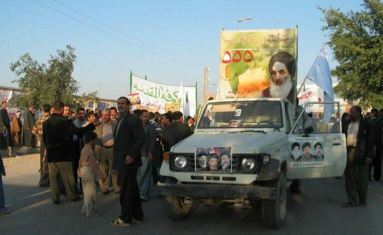 Anhänger von Ayatollah al-Sistani in Najaf