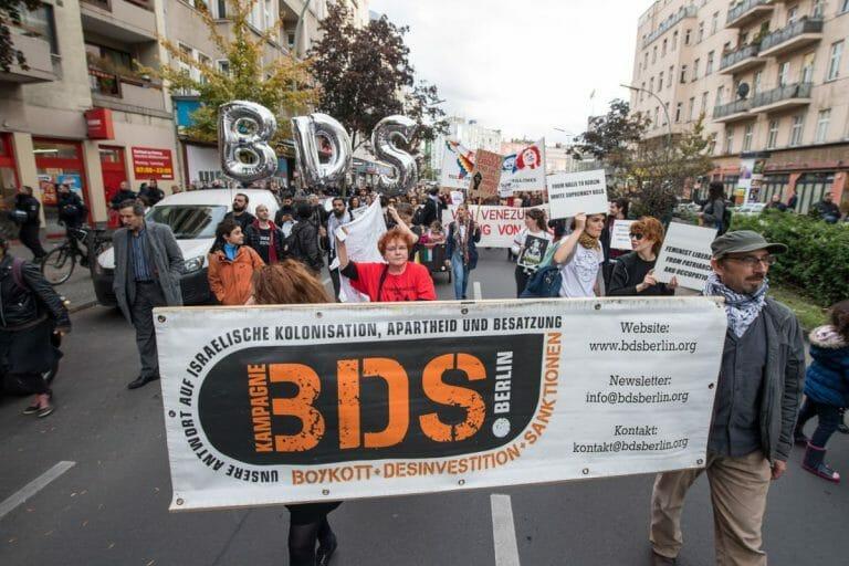 Israelboykott-Bewegung BDS auf einer Demonstration in Berlin