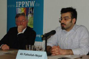Fathollah-Nejad auf einer Veranstaltung der IPPNW gegen Iransanktionen im Jahr 2013