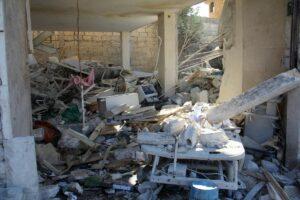 Durch Bombenangriffe zerstörtes Spital in Idlib