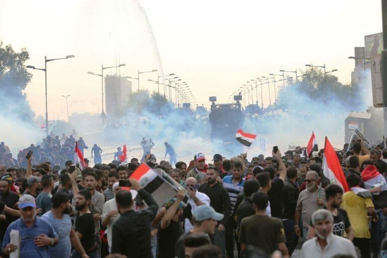 Irakische Polizei geht gegen Demonstranten vor