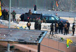 """So sehen für manche Medien """"Demonstranten"""" aus: Schiitische Milizionäre vor der amerikanischen Botschaft in Bagdad, 31. Dezember 2019 (imago images/UPI Press)"""