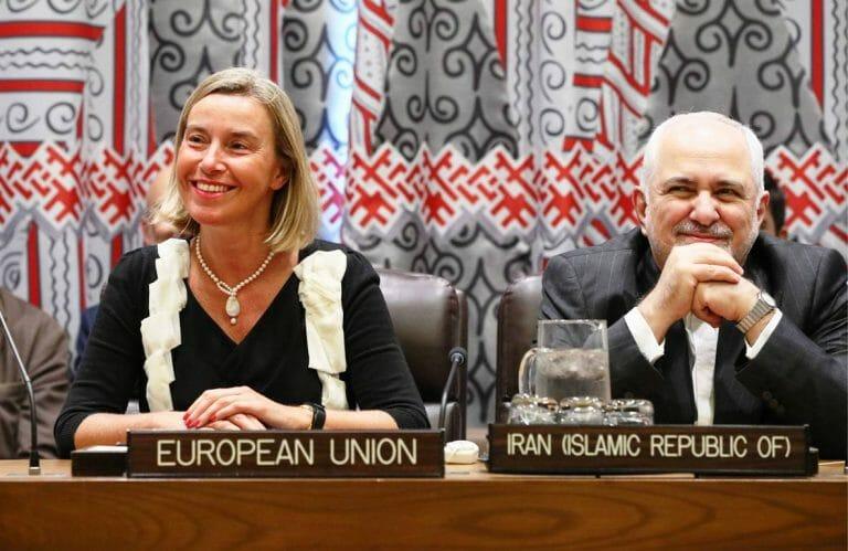 Stolz auf das Atom-Abkommen: EU-Außenbeauftragte Mogherini und Irans Außenminister Zarif im September 2019 in New York (imago images/ITAR-TASS)