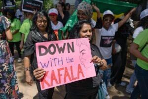 Frauen demonstrieren gegen das Kafala-System (Sponsorensystem), das eine Art modernen Sklavenhandel ermöglicht