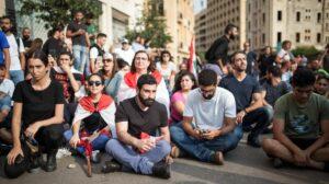 Sitzstreik gegen die proiranische Hisbollah im Libanon