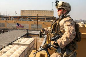 US-Marine bewacht Botschaft in Baghdad