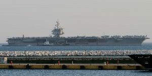 US-Flugzeugträger im Hafen von Piräus