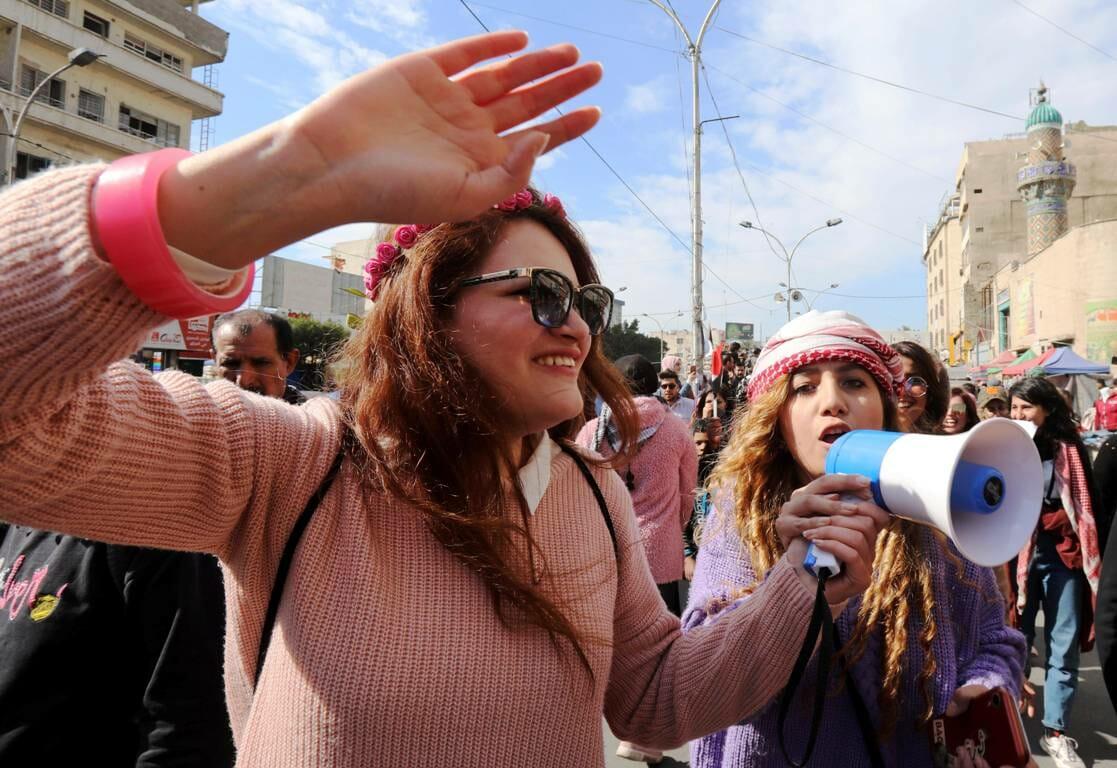 Demonstrantinnen im Irak, hier bei einer Kundgebung gegen Gewalt gegen Frauen in Bagdad (imago images/Xinhua)
