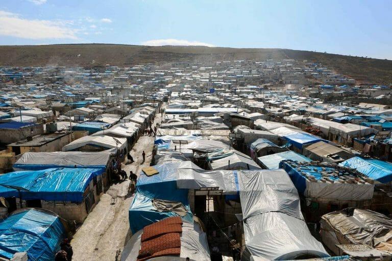 Flüchtlingslager in Syrien. Die Türkei droht, Flüchtlinge nach Europa reisen zu lassen. (imago images/ZUMA Press)