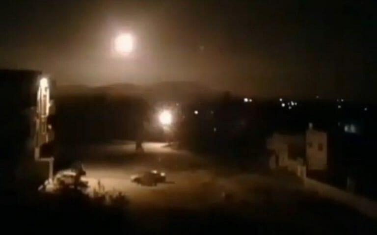 Luftangriffe in der Nähe von Damskus in Syrien