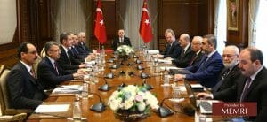 Adnan Tanrıverdi (2. v. re.) auf einem Treffen mit Präsident Erdogan im vor der Militäroffensive im syrischen Afrin im Januar 2018