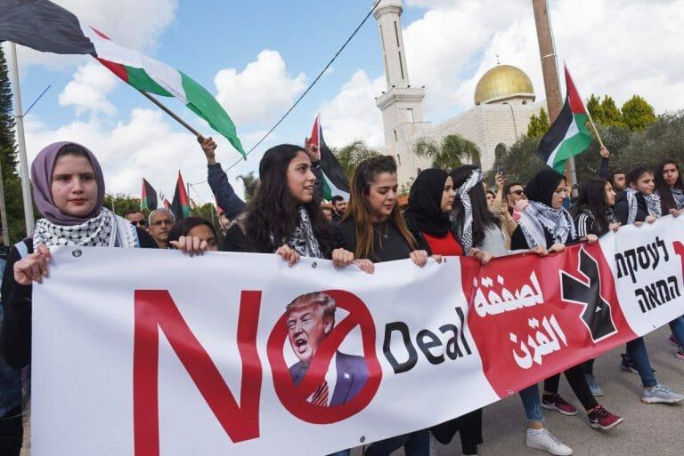 Arabische Israelis demonstrieren gegen Trumps Friedensplan