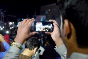 In Kandahar feiern Afghanen das Abkommen zwischen den USA und den Taliban. (imago images/Xinhua)