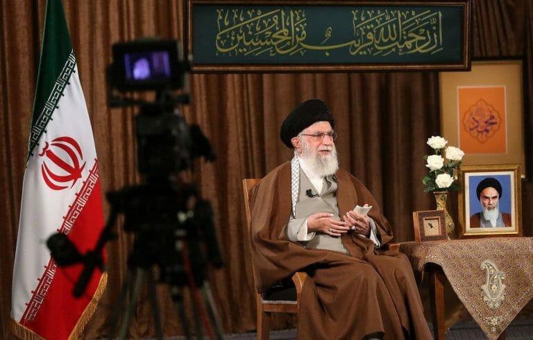 Ayatollah Khamenei während seiner Fernsehansprache zum iranischen Neujahrsfest