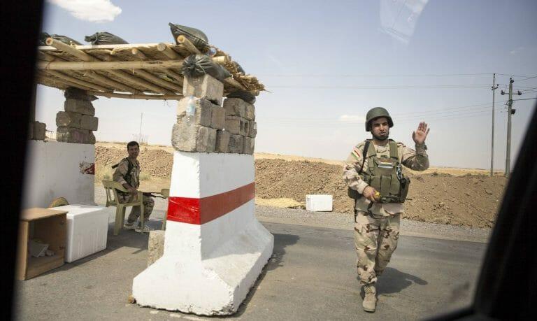 Ein Checkpoint kurdischer Sicherheitskräfte im Nordirak