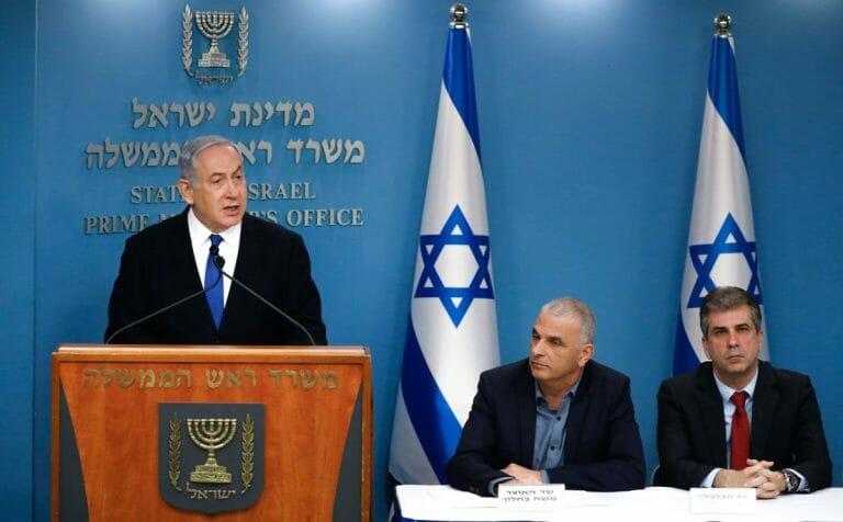 """Der Liebelingsfeind des """"Spiegel"""" Netanjahu bei einer Pressekonferenz zu den Maßnahmen gegen Corona"""