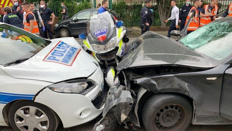 """Schauplatz eines Attentats in Colombes """"wegen Palästina"""" (Synergie-Officiers/Twitter)"""
