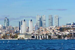 Blick auf Istanbul, wo iranische Agenten im November einen Dissidenten ermordeten. (imago images/CHROMORANGE)