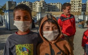 Kinder in einem Flüchtlingscamp in Idlib in Syrien