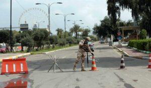 Irakische icherheitskräfte überwachen die Corona-Ausgangssperre