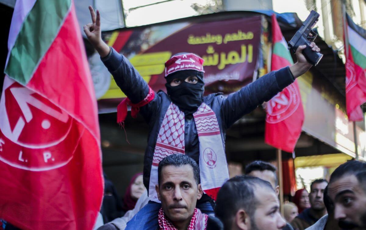 Aufmarsch der PFLP im Gazastreifen