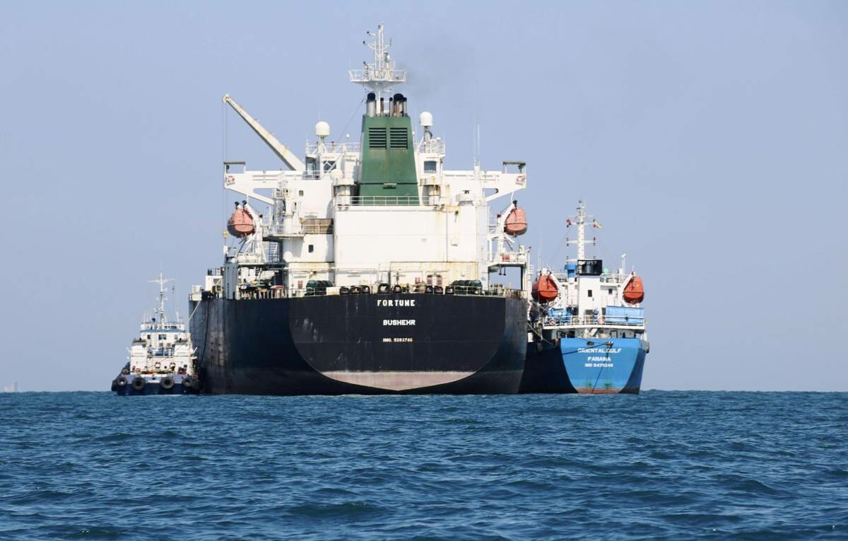 Steckt Israel auf einem Cyberangriff auf den Hafen Shahid Rajaee an der Straße von Hormus? (imago images/Kyodo News)