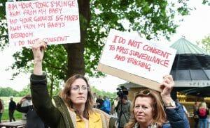 Auch in Großbritannien sind Verschwörungsthorien zu Corona weit verbreitet