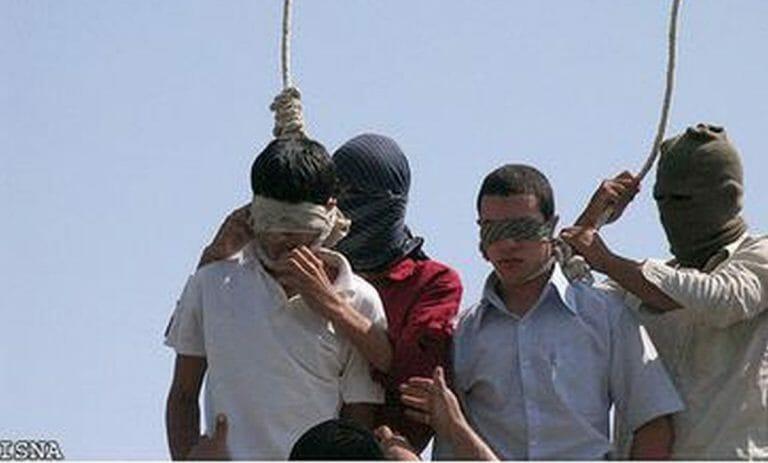Hinrichtung der minderjährigen Homosexuellen Mahmoud Asgari und Ayaz Marhoni im Iran